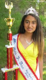 Pageant Contestant Olympia Dentists Offices Sponsors Her Local School Student